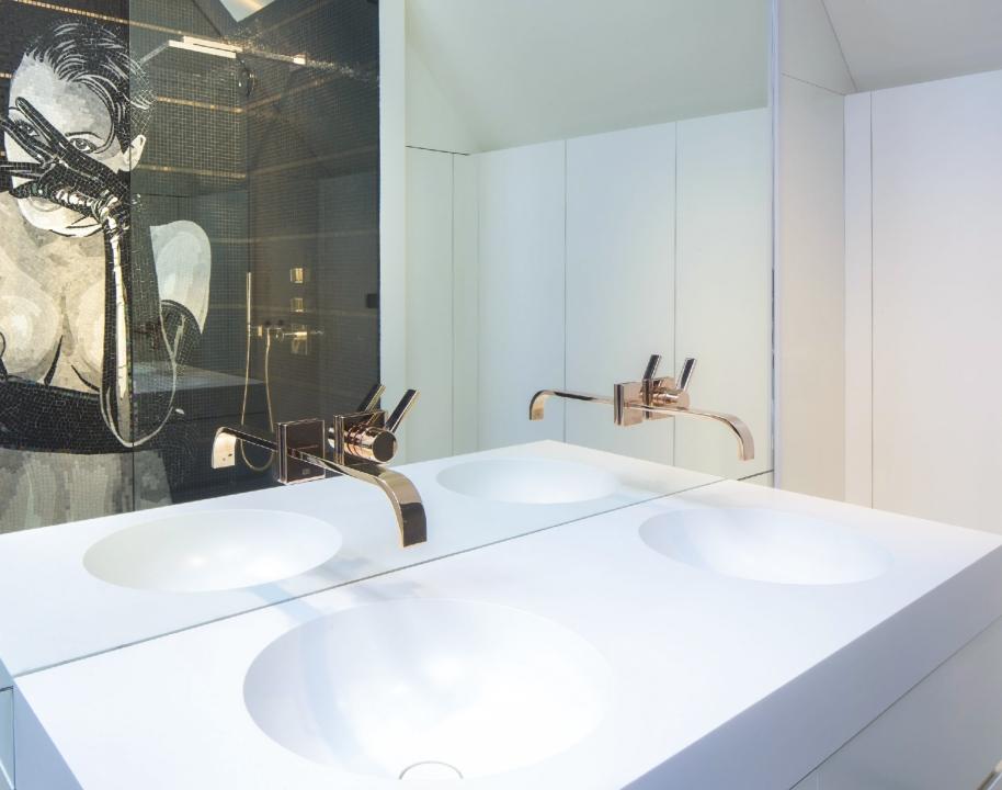 Van Boven Badkamers : Extravagante badkamers aalbers badkamers