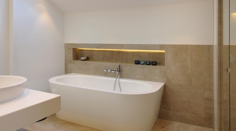 Faience badkamer verven mooie badkamer opknappen tegels schilderen